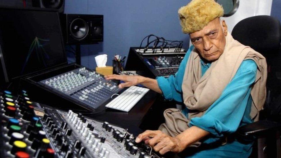 ख़य्याम: नहीं रहे 'उमराव जान' में जान डालने वाले संगीतकार शर्मा जी