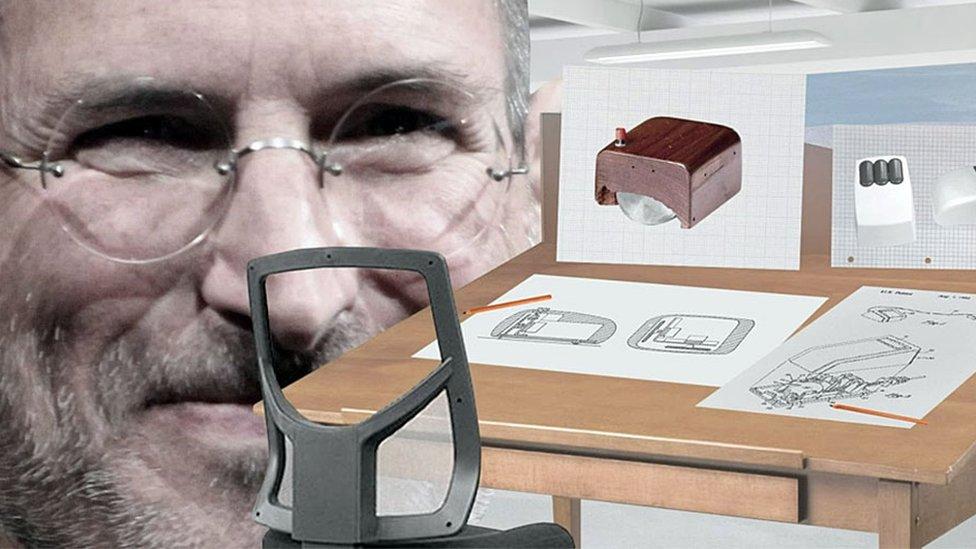 Steve Jobs e imágenes del ratón antiguo y mesa de diseño