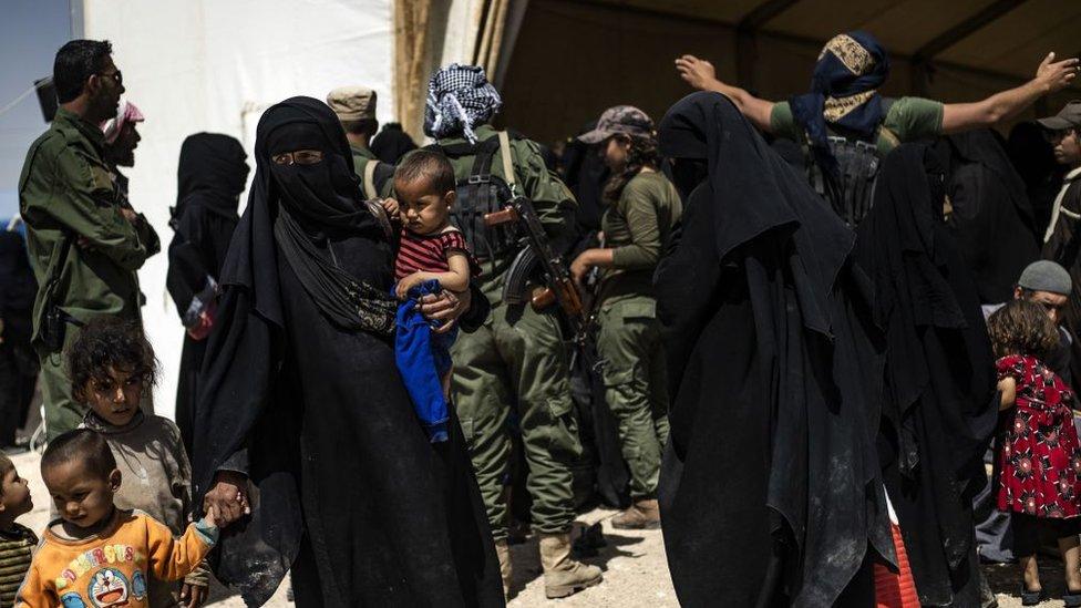 IŞİD militanlarının aileleri SDG kontrolündeki kamplarda tutuluyor