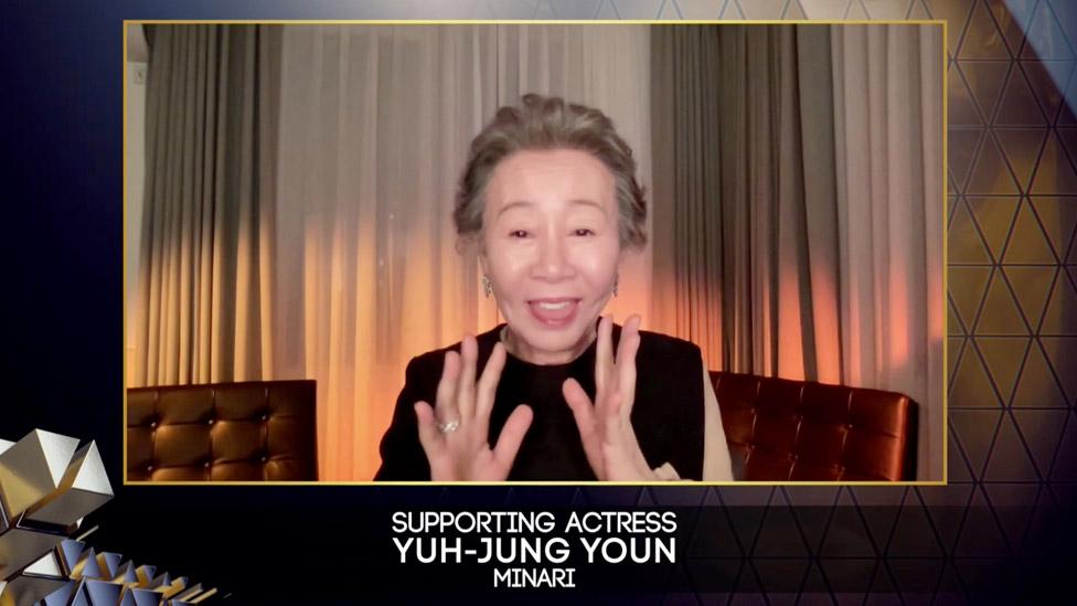 韓國的尹玉貞獲得最佳女配角獎。