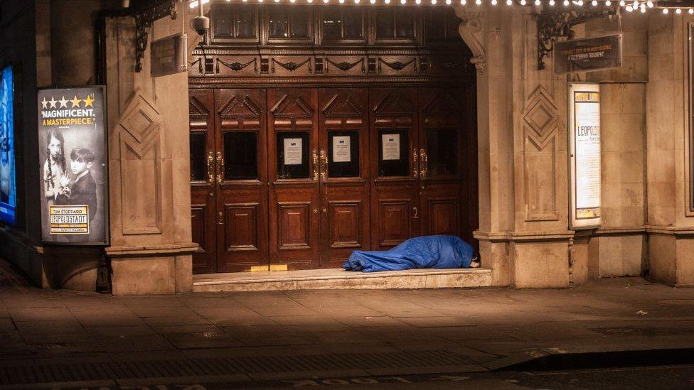 المشردون ينامون في شوارع لندن