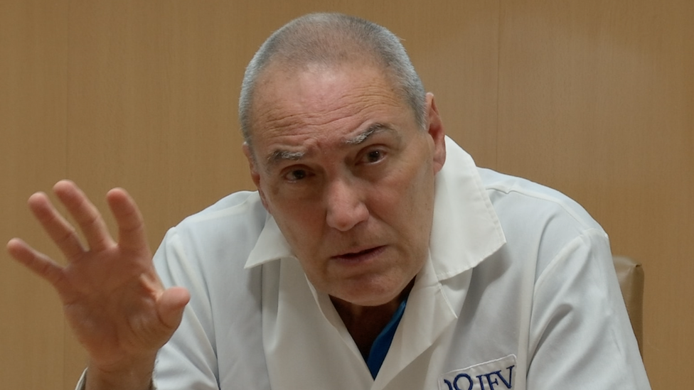 Vicente Vérez Bencomo fala em entrevista coletiva