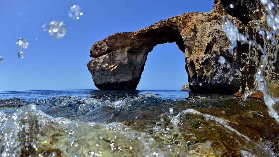 Gozo's Azure Window rock formation prior to its collapse