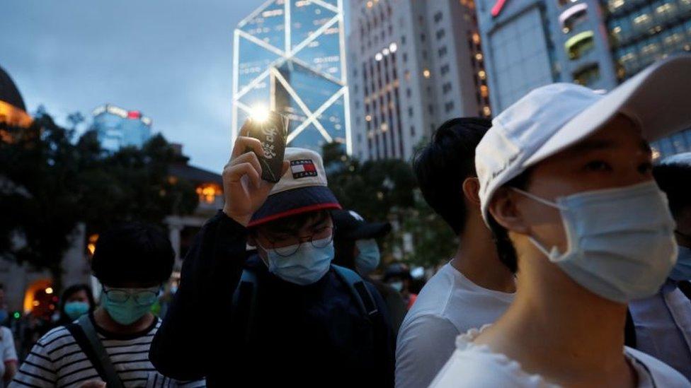 香港民眾紀念反送中抗議一週年