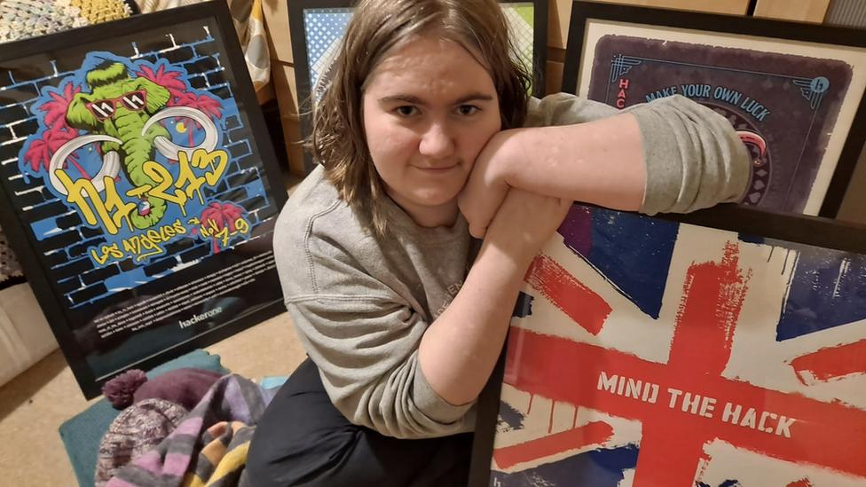 Katie Paxton-Fear, hacker