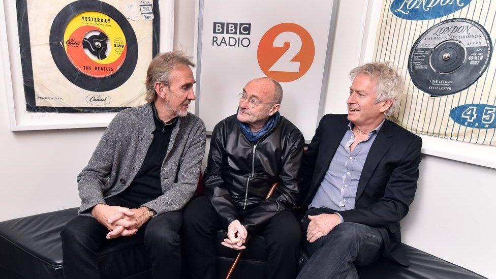 Grup üyeleri BBC Radio 2'de hayranlarına turne haberini verdi