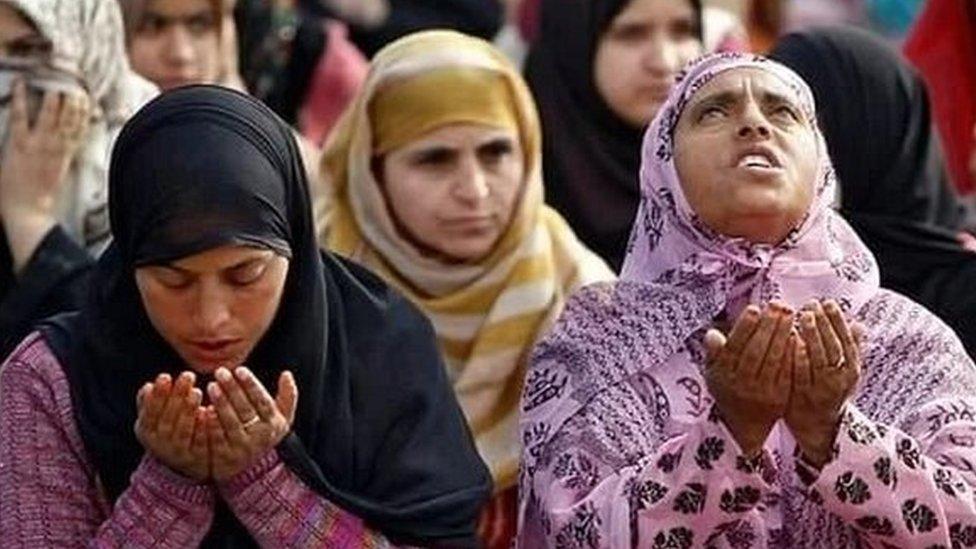 मस्जिदों में औरतों के दाख़िले की अनुमति पर सुप्रीम कोर्ट का नोटिस