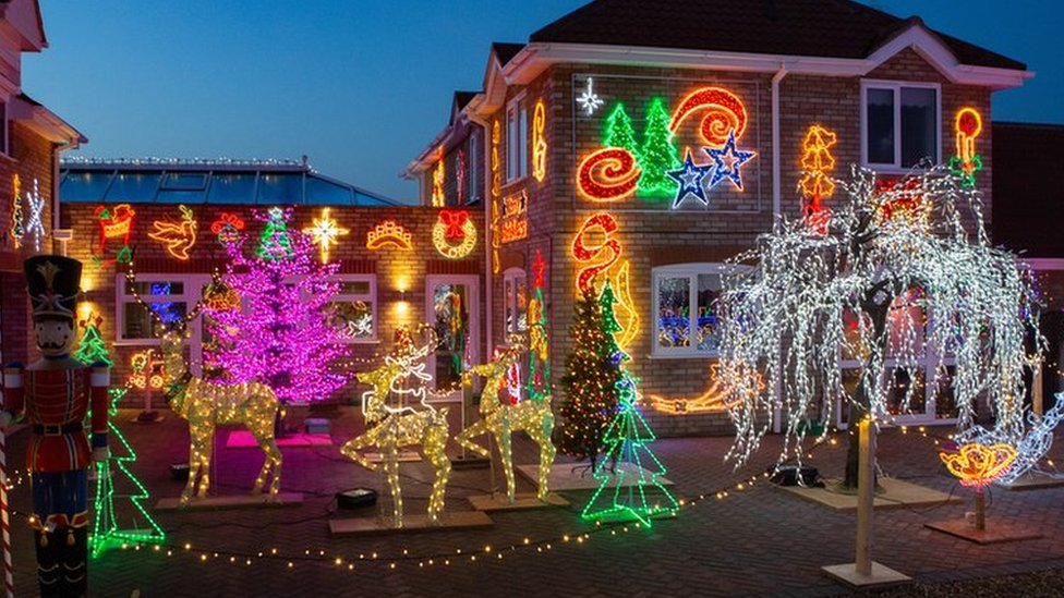 House with one million Christmas lights raises £50,000
