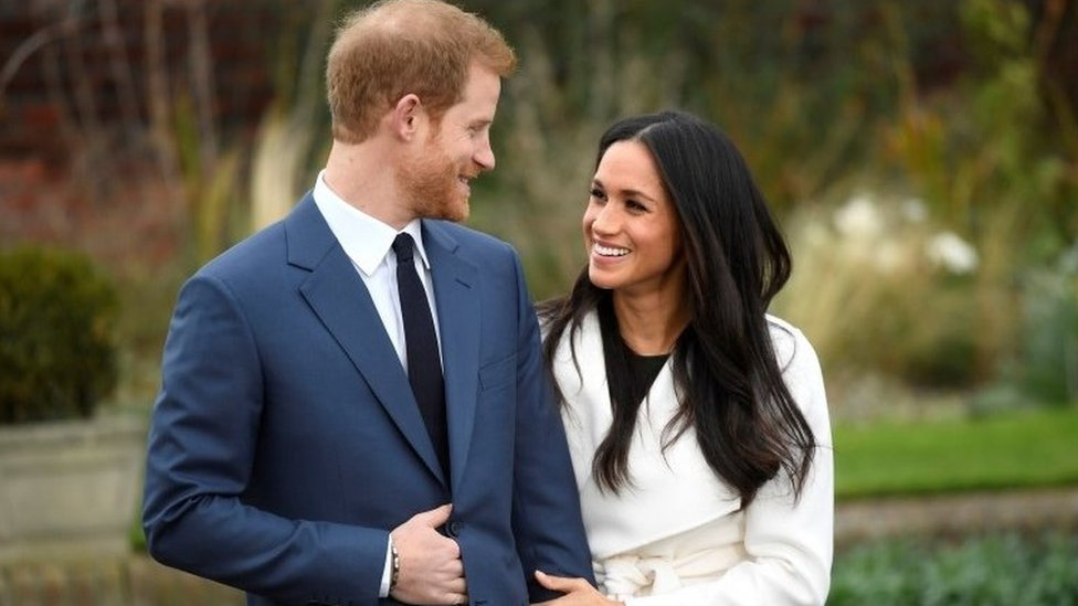 Royal wedding 2018: Aberystwyth Oxfam removes display