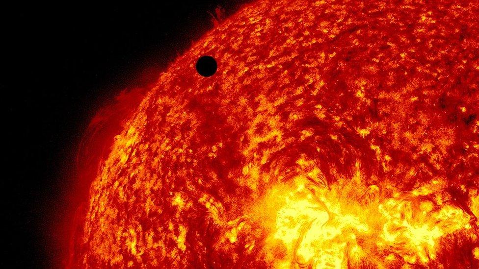 Sol y Venus.