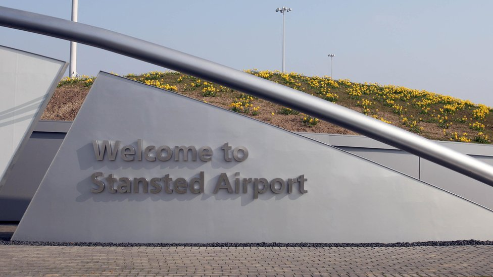 Stansted Airport collision delays Irish 'Home to Vote' passengers