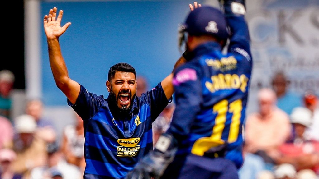 One-Day Cup: Jeetan Patel stars as Bears beat Yorkshire at Headingley