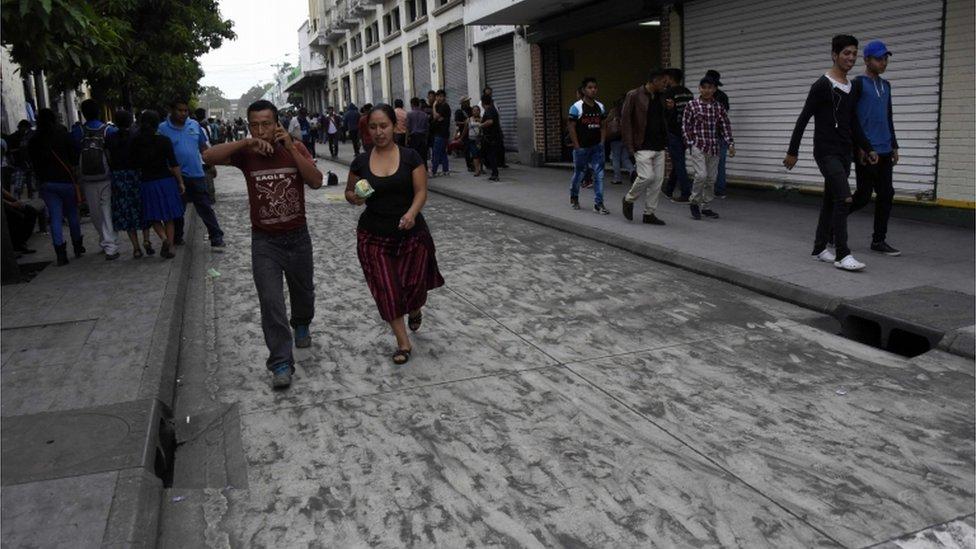 Cenizas en Ciudad de Guatemala.