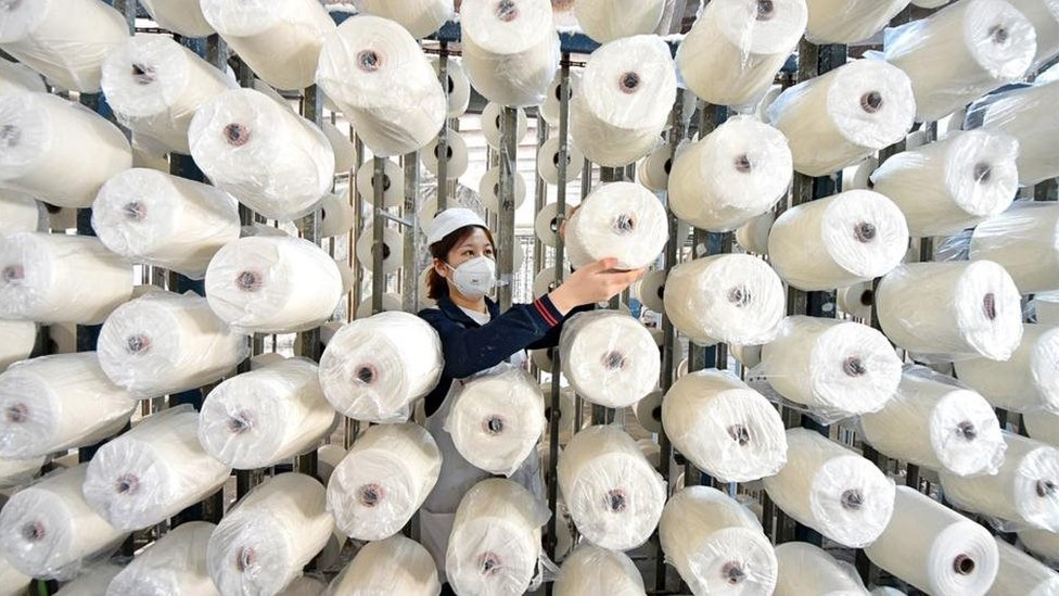 خلافا للوظائف المكتبية، فإن العمال اليدويين بإمكانهم حساب ساعات العمل بسهولة ومن ثم يسهل قياس معدلات الإنتاج