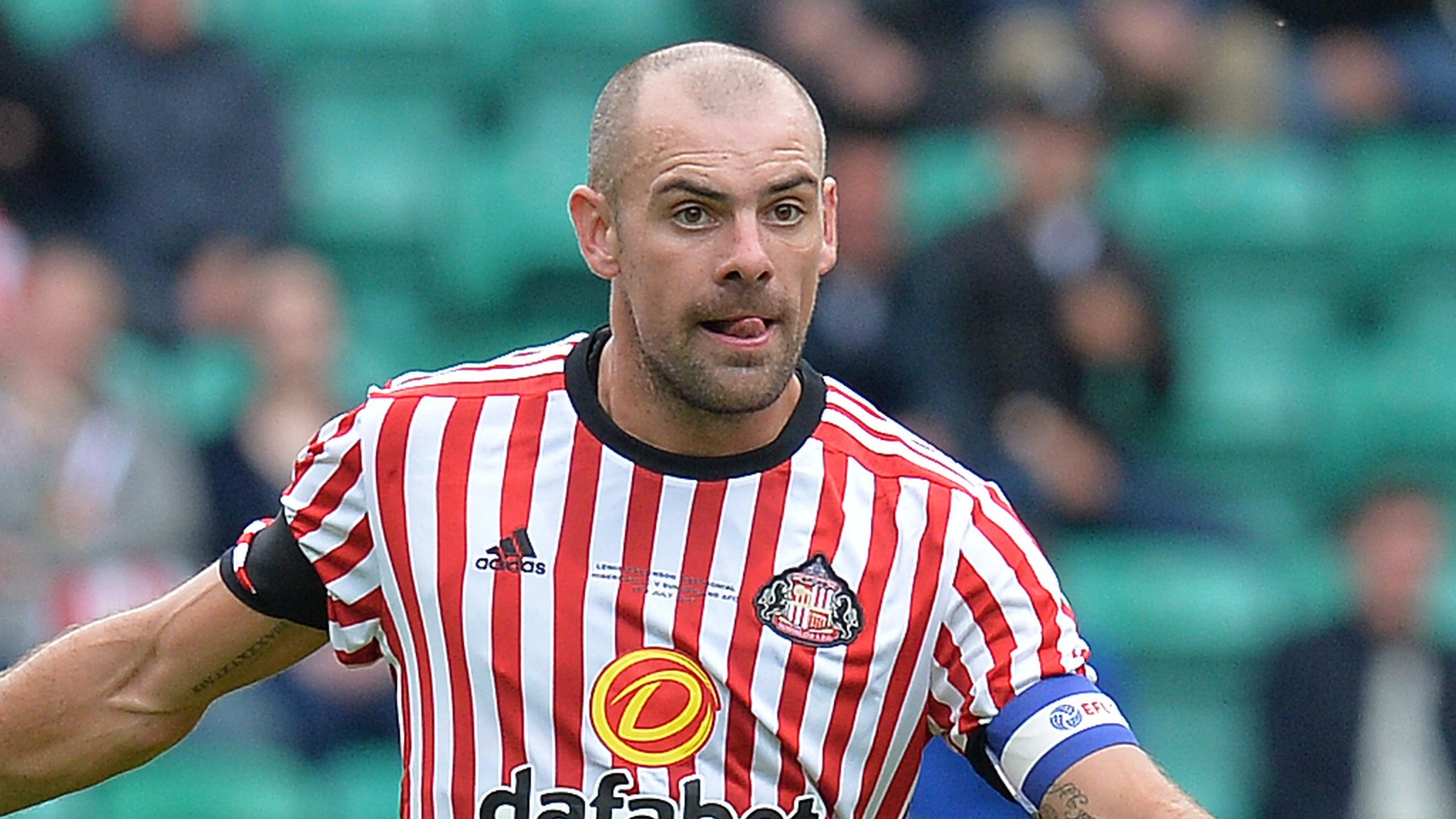 Ex-Sunderland midfielder Gibson sentenced for drink-driving