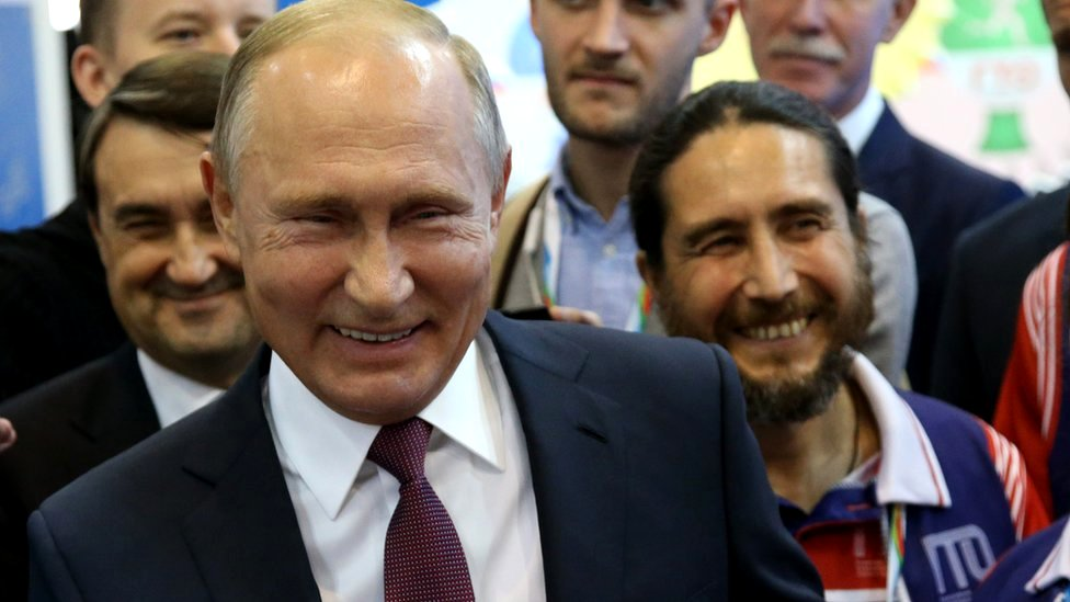 How Putin S Russia Turned Humour Into A Weapon Bbc News