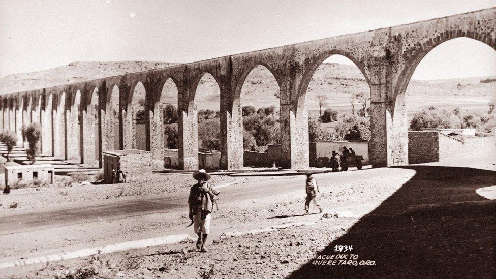 Acueducto de Querétaro en 1934.