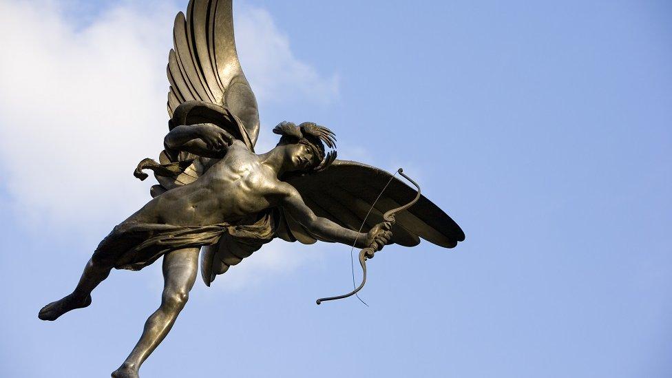 La estatua de Eros/Cupido en Piccadilly Circus, en el centro de Londres