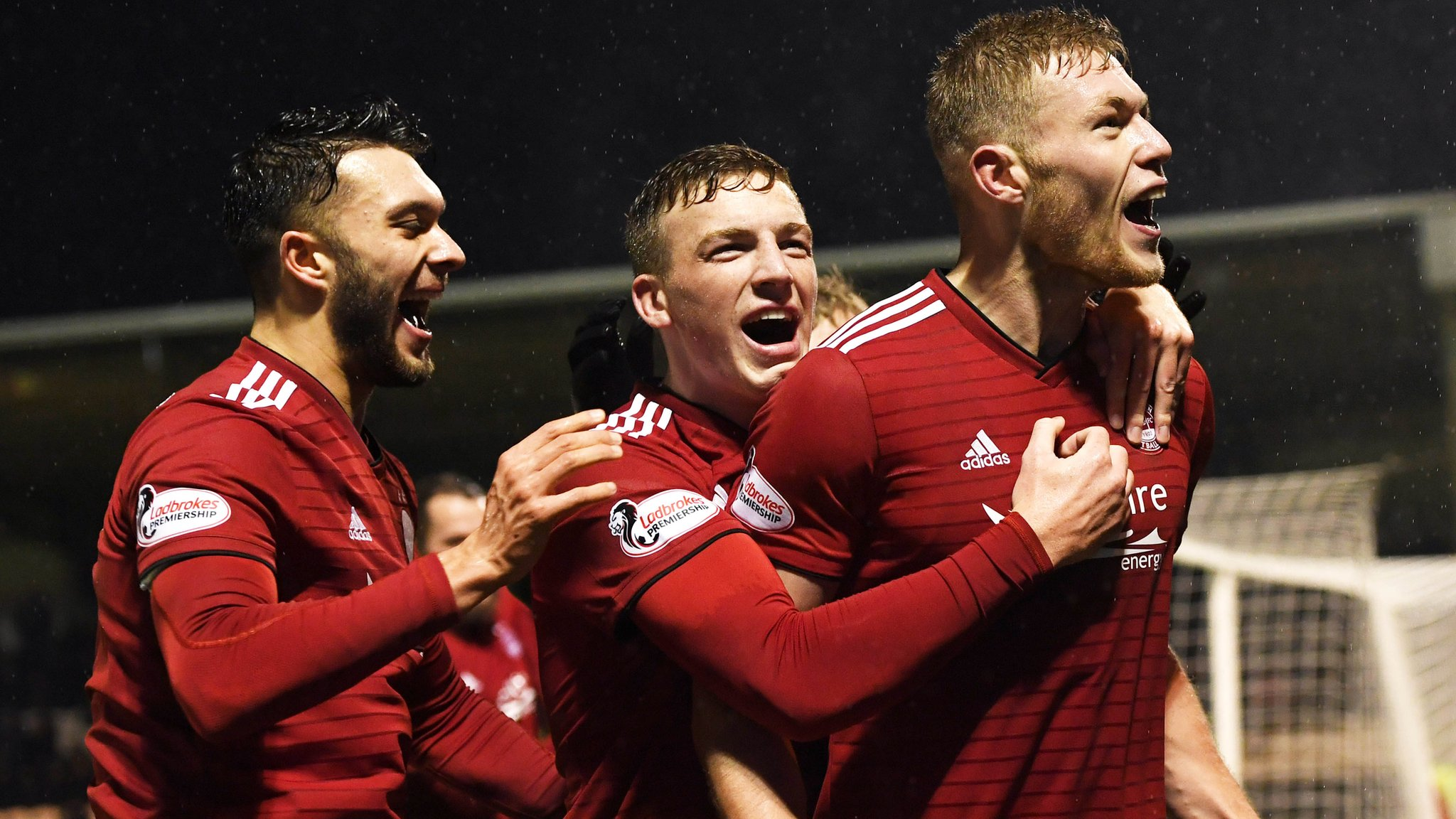 St Mirren 1-2 Aberdeen: Sam Cosgrove on target as Dons move fourth