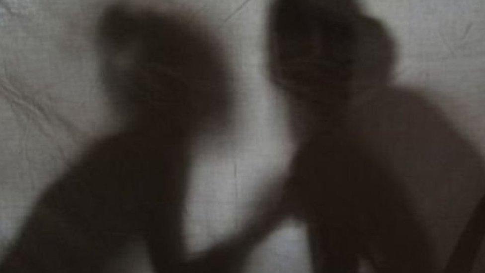 किराएदार लड़कियों के मकान में ख़ुफ़िया कैमरे, मकान मालिक गिरफ़्तार