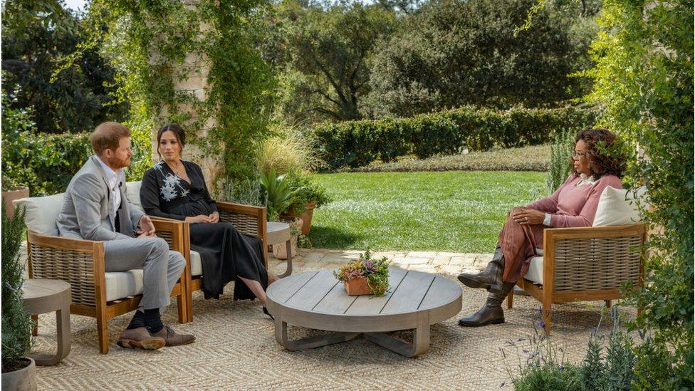 Prince Harry y Meghan Markle hablaron con Oprah Winfrey