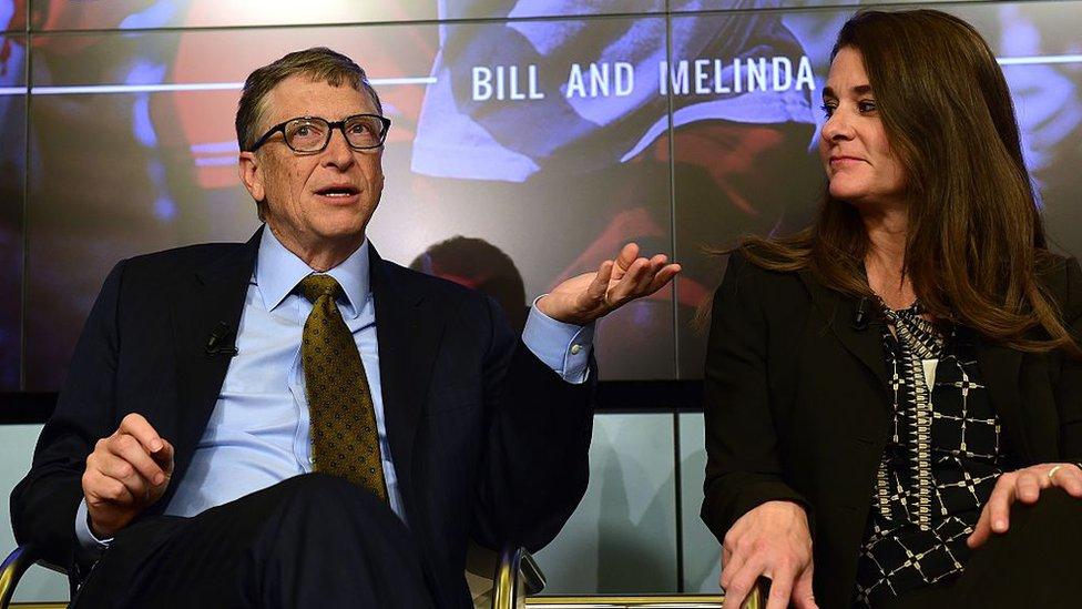 比爾和梅琳達參加英國《經濟學人》雜誌2015年在布魯塞爾舉行的一次討論,談論未來15年在衛生、教育、農業和銀行業方面的預期突破。