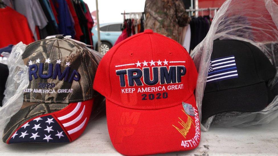 Gorras que dicen: Trump 2020