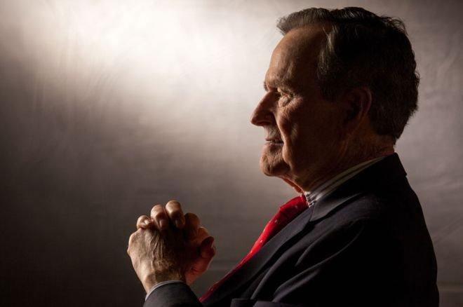 جورج بوش الأب عام 2011