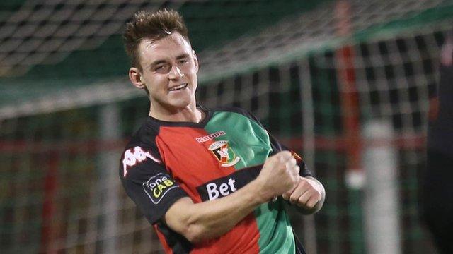 Glentoran hat-trick hero Chris Lavery