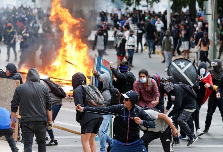 Enfrentamiento en calles de Santiago