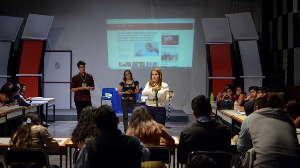 Periodistas de BBC Mundo en un taller de periodismo en Querétaro