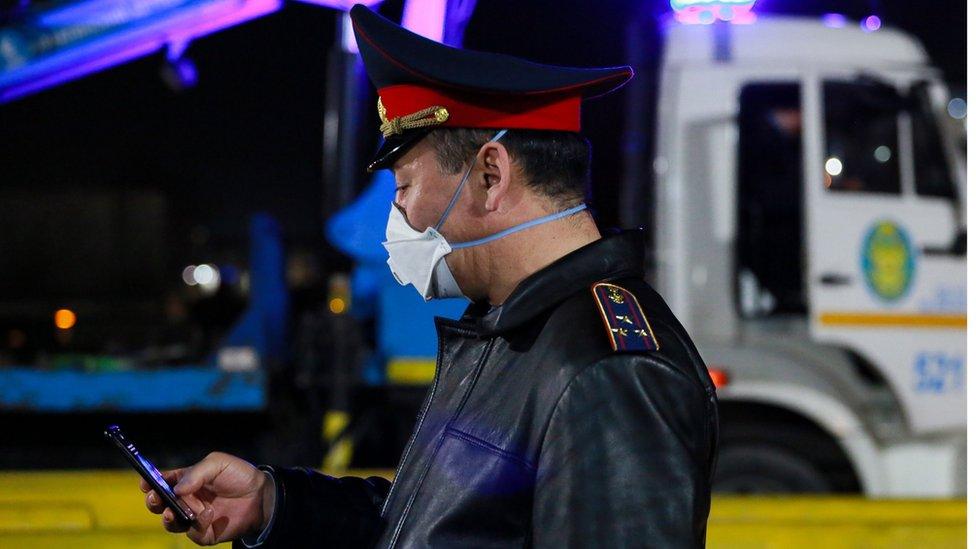 Житель Алматы открыл огонь по судебным исполнителям, пятеро погибших