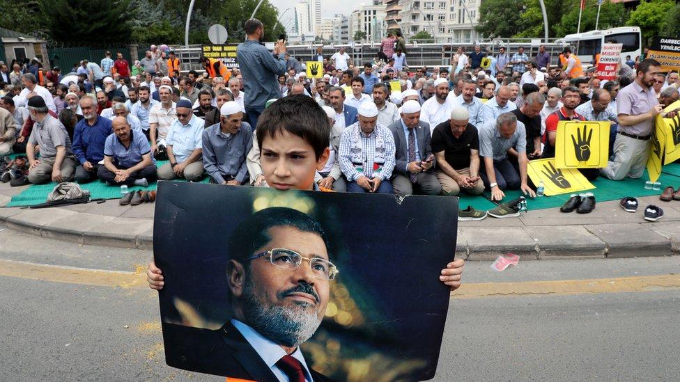 صلاة الغائب أقيمت على روح مرسي في تركيا