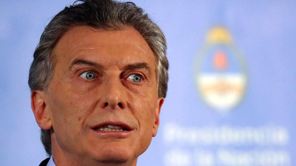 Macri pasa por el momento más complicado de su presidencia. Su reelección, antes muy probable, ahora está en peligro.