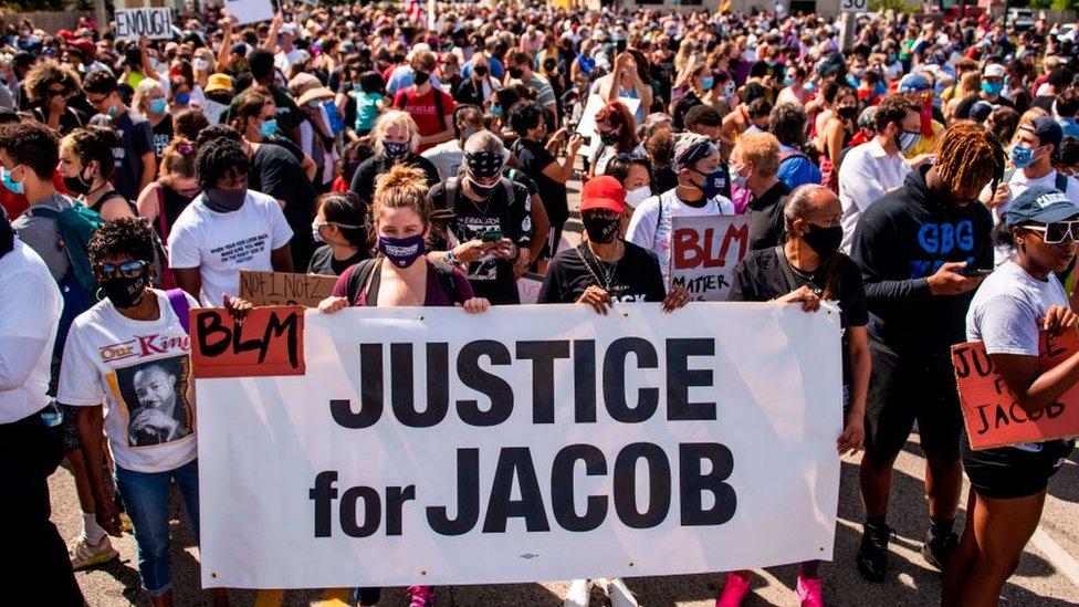 Manifestación por el titoreo de Jacob Blake