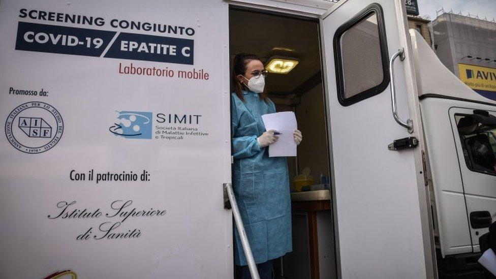 موقع اختبار متنقل في إيطاليا