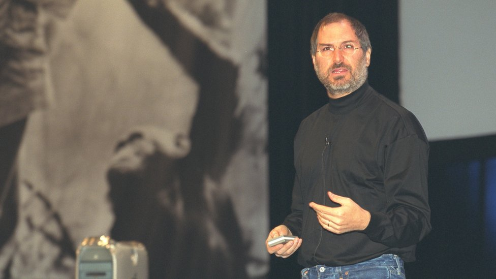 Steve Jobs giving a presentation in Paris in 1999
