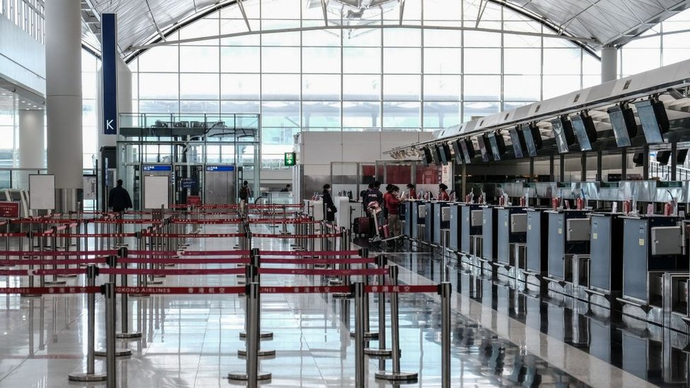 Terminal aérea de Hong Kong vacía.