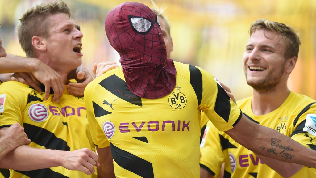 Celebrations, kits & nicknames - Spider-Man creator Stan Lee's football influence