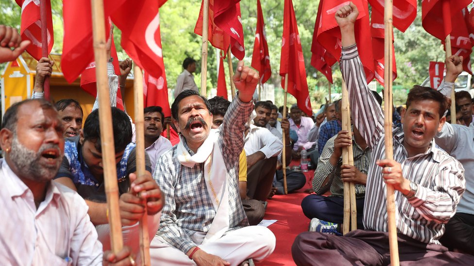 Indian members of the Federation of the Trade Unions Delhi committee shout slogans and attend a rally to mark International Labour Day in Delhi, India 01 May 2018.