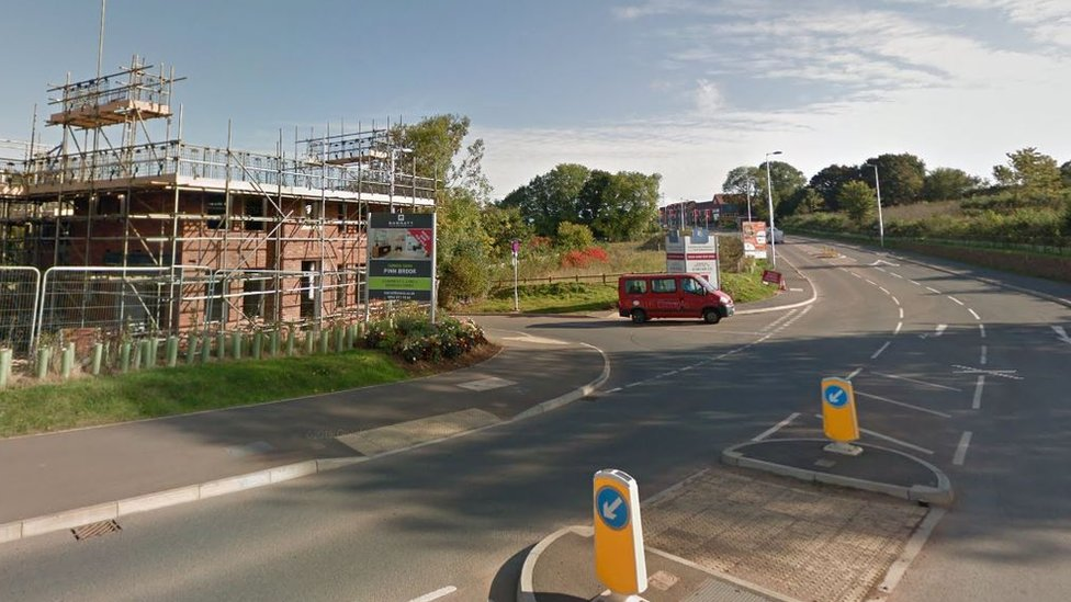 Teenage cyclist dies two days after Exeter crash