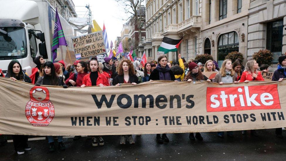 Londra 8 Mart kadın yürüyüşü
