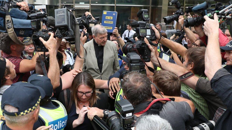 Pel okružen medijima ispred sudnice
