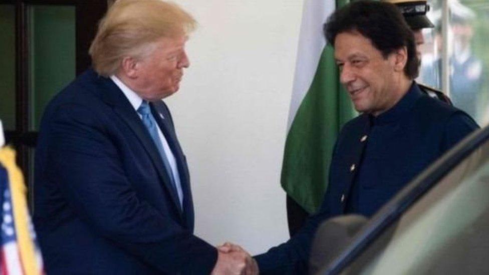 इमरान ख़ान की अफ़ग़ानिस्तान में भूमिका के लिए डोनल्ड ट्रंप ने शुक्रिया कहा - पांच बड़ी ख़बरें