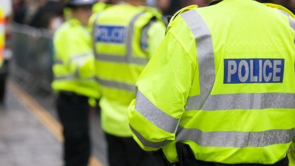 ازدادت حوادث الاعتداء على الشرطة مؤخرا