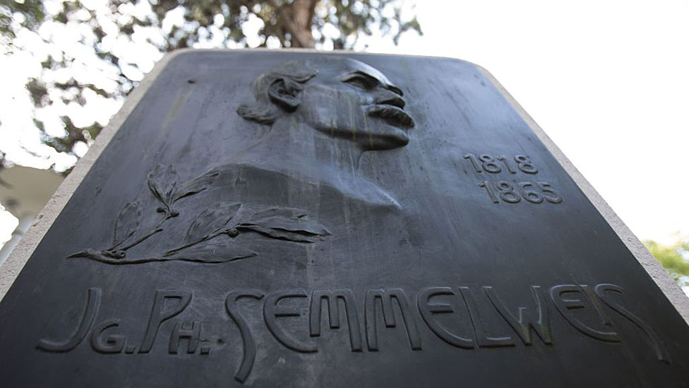 Placa en honor a Ignaz Semmelweis