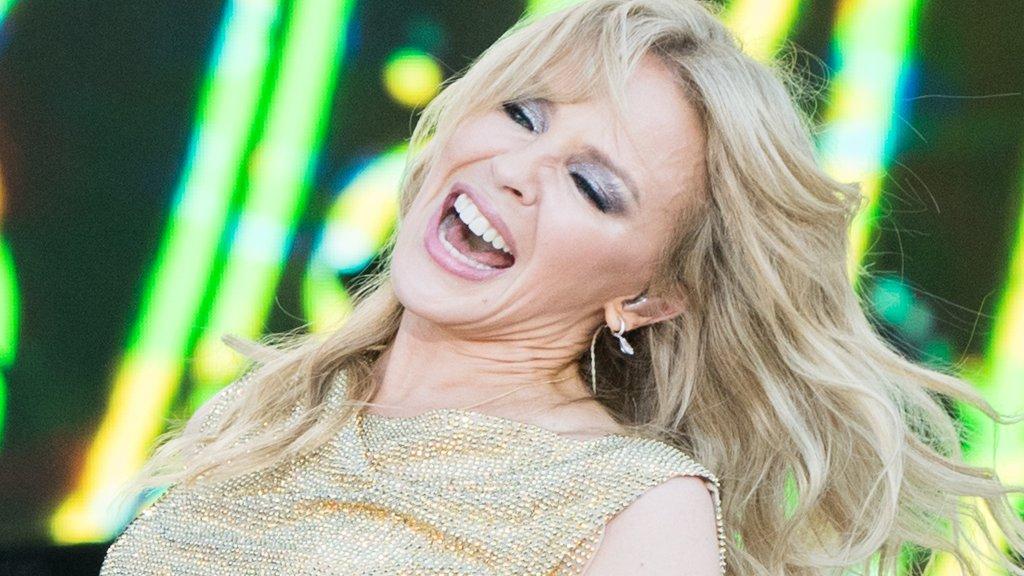 BBC News - Kylie Minogue's tears of joy as she finally plays Glastonbury