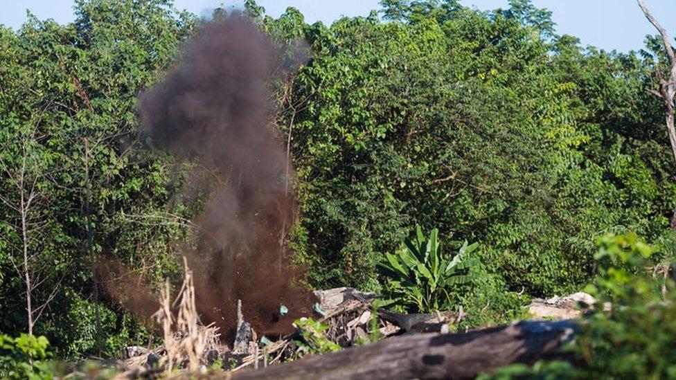 Ordnance demolition in southern Laos (December 2014)