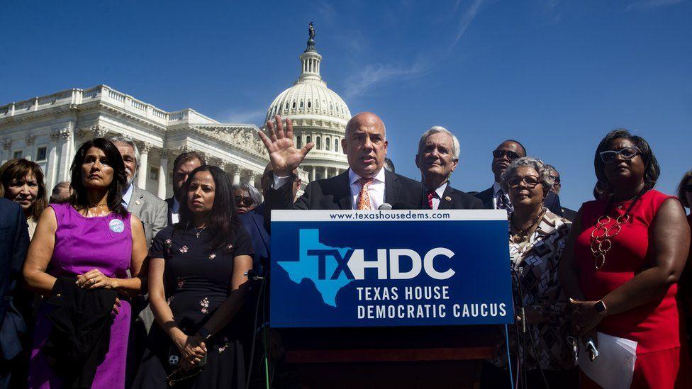 أعضاء ديمقراطيون في مجلس النواب في ولاية تكساس