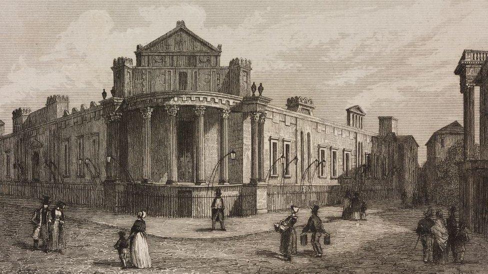 Las fachadas de los bancos de los siglos XVIII y XIX parecían templos.